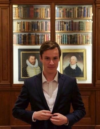 Enseignant – Chercheur à Paris 1 Panthéon-Sorbonne spécialisé en droit des affaires / droit numérique (ex Columbia Law School)