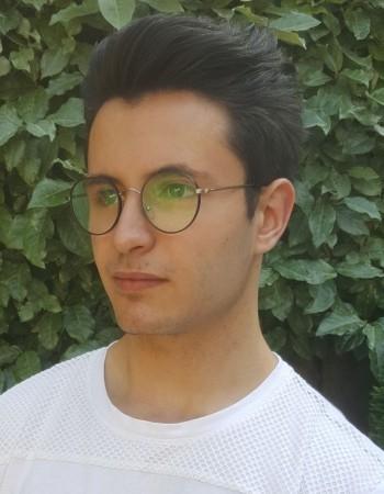 Bonjour !  Je suis Etienne Rodriguez, et j'ai 18 ans. Tituluaire d'un bac technologique STI2D et en année de remise à niveau pour une rentrée en classe préparatoire en maths spé l'année prochaine, dans le but d'intégrer une école d'ingénieur, j'en profite