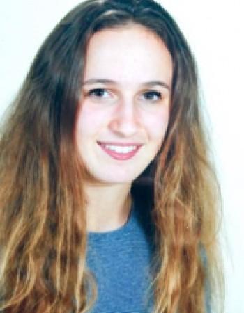 Etudiante à HEC Paris donne des cours particuliers de mathématiques