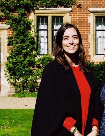 Etudiante à Cambridge bilingue en anglais donne cours particuliers diverses matières Collège Lycée Brevet Bac. Mention TB bac S licence linguistique
