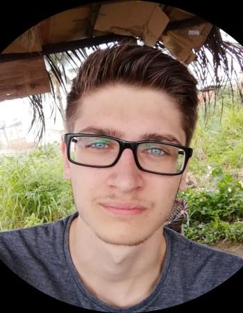 Diplomé d'un bac+3 informatique, je propose des initations ou cours en informatique/programmation