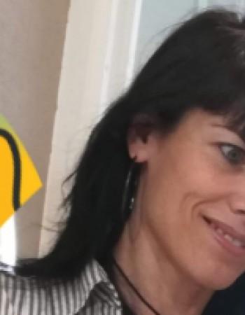 Je suis native du Portugal et donne des cours de portugais et je fais des traductions également