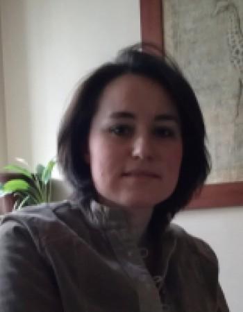 Polyglotte et très pédagoguedonne des cours de langues étrangères à Paris