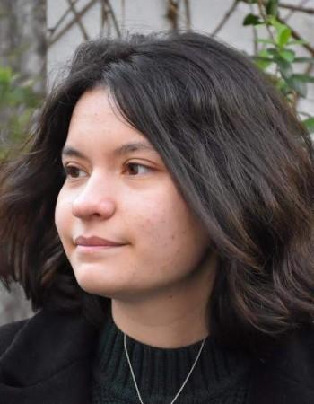 Etudiante en droit donne des cours particuliens en ligne de français du collège au lycée