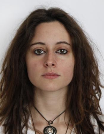 Diplômée et vadrouilleuse donne cours d'anglais à domicile et en ligne