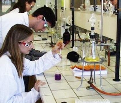 Sarah professeur pour cours particulier de physique pour PACES et paramédical